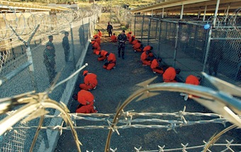 guantanamo_captives_in_january_2002 (1)